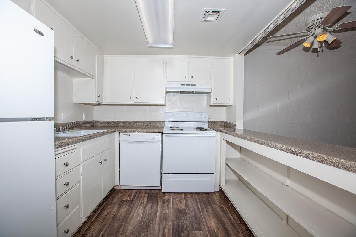 FULLY-EQUIPPED KITCHEN AT THE PALMS APARTMENTS IN LAS VEGAS
