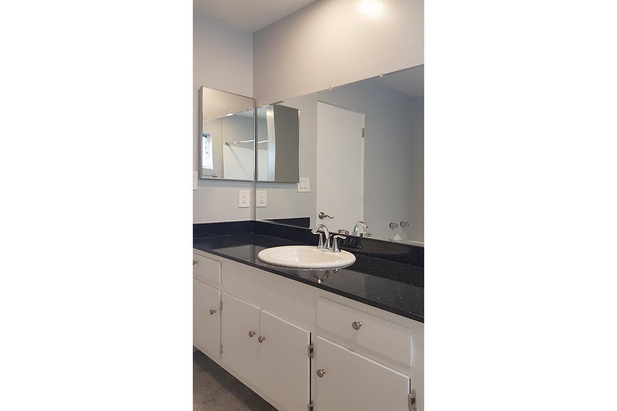 bathroom(new).jpg