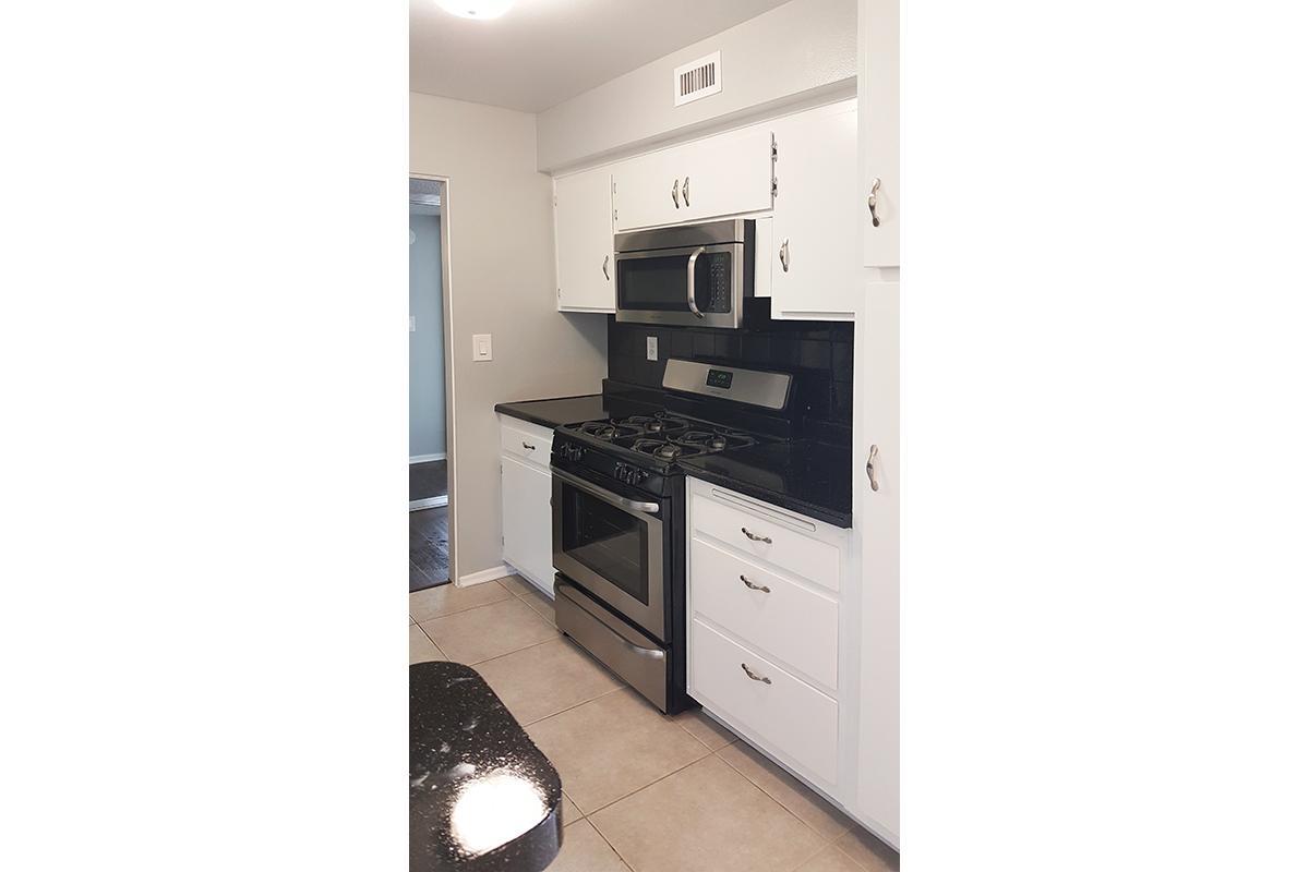 kitchen2(new).jpg
