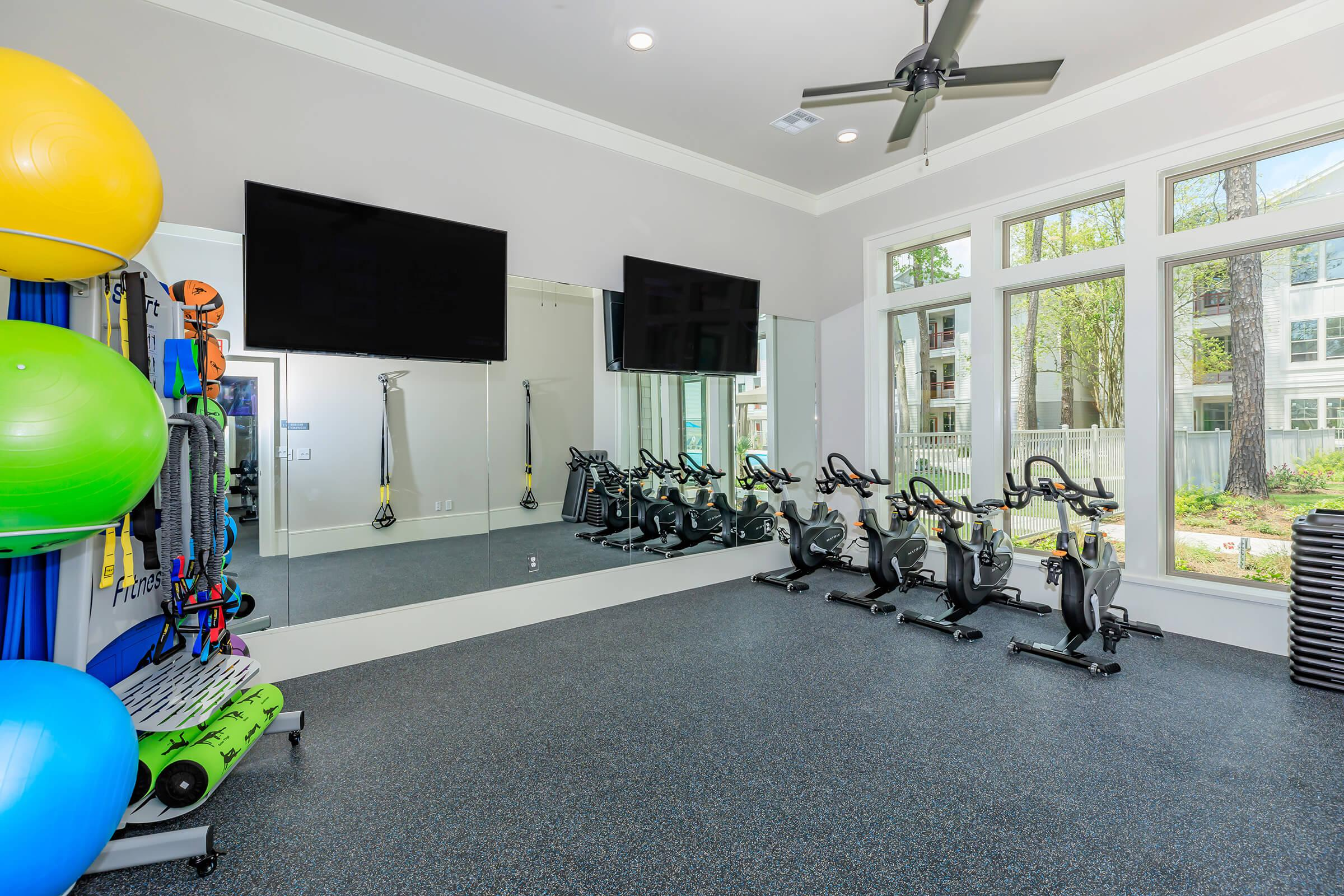 Staying fit is easy here at Ariza Gosling in Spring, TX