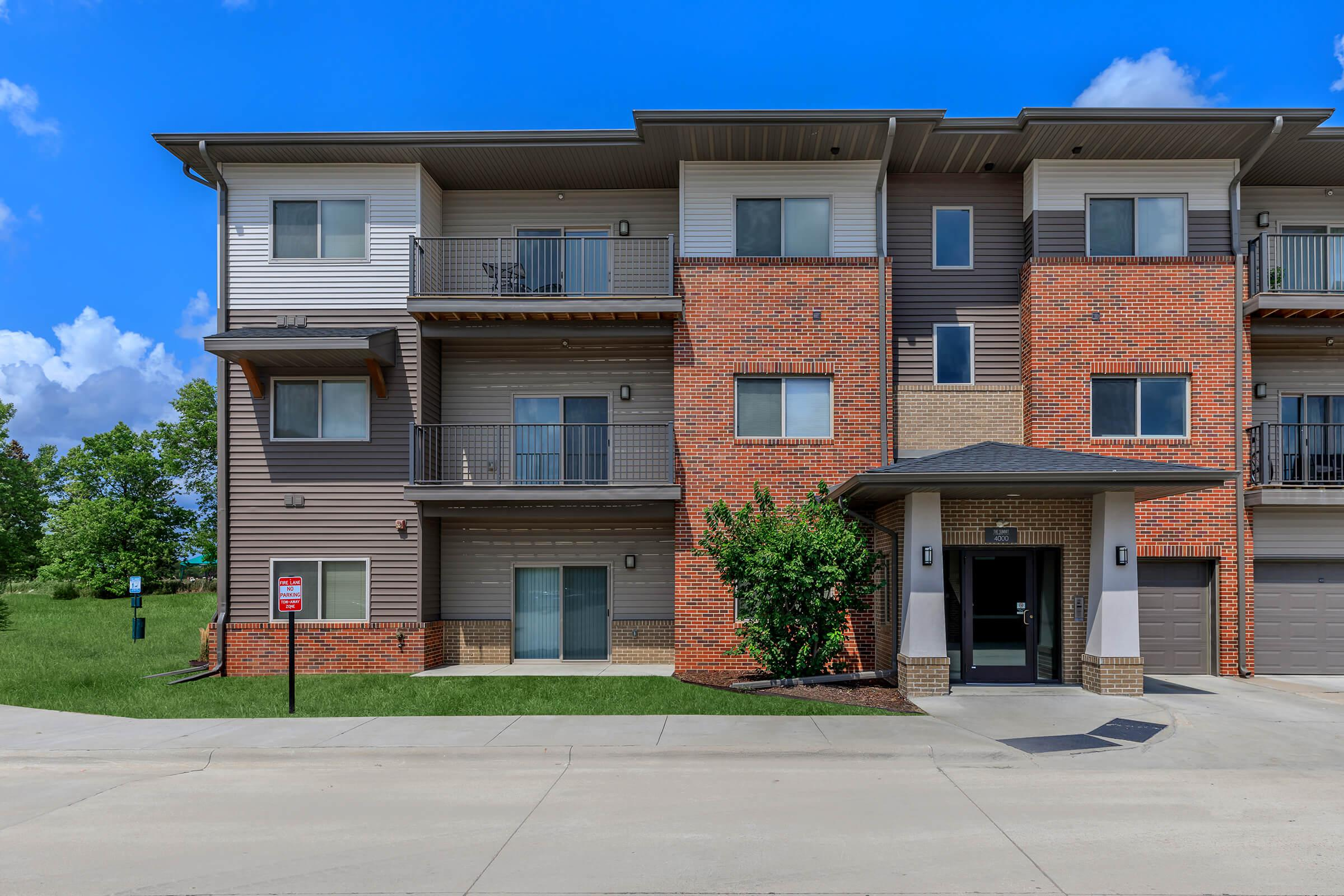 YOUR NEW APARTMENT HOME AWAITS  IN SIOUX CITY, IOWA