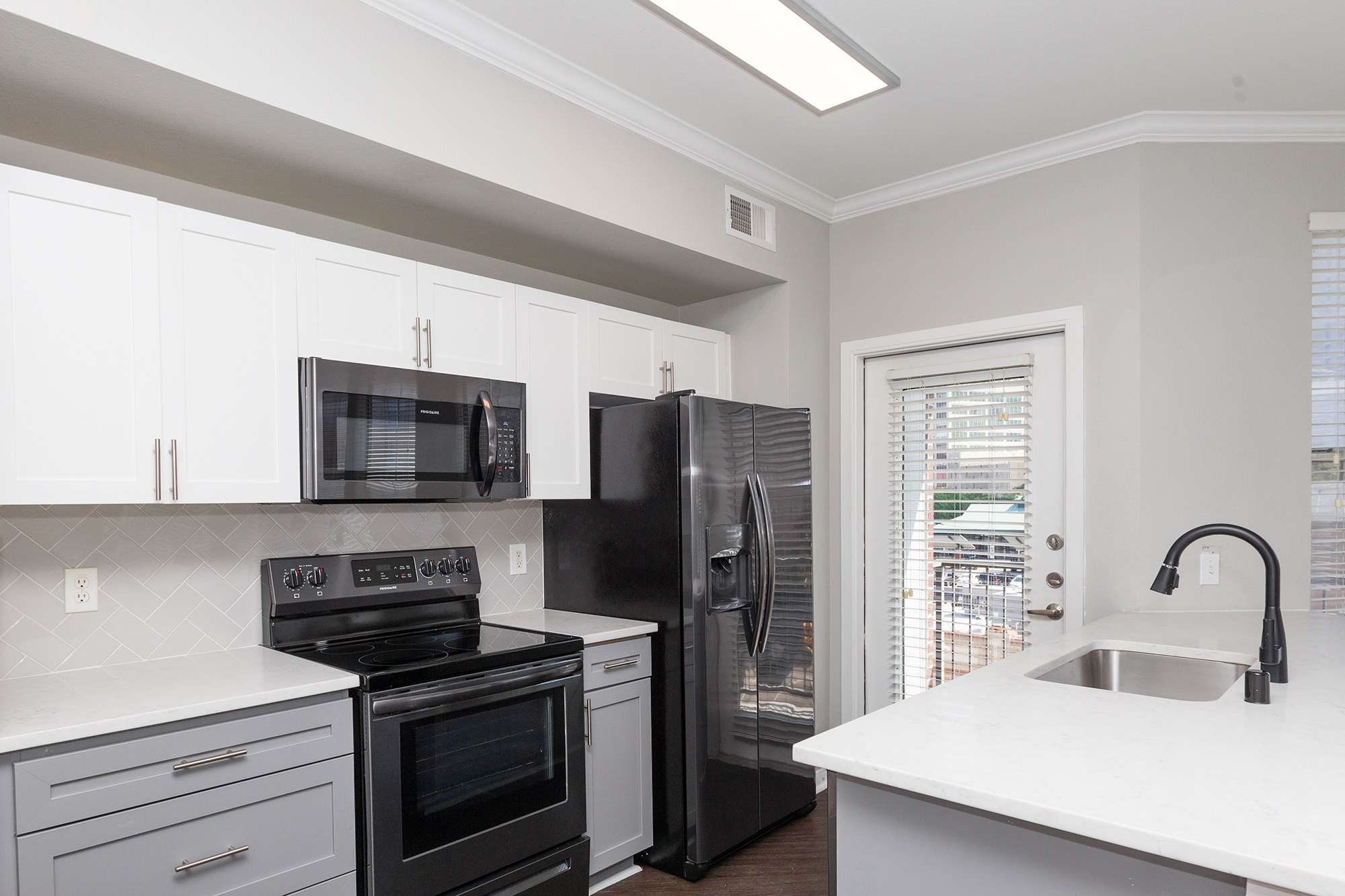 YOUR GOURMET KITCHEN AT 1001 ROSS
