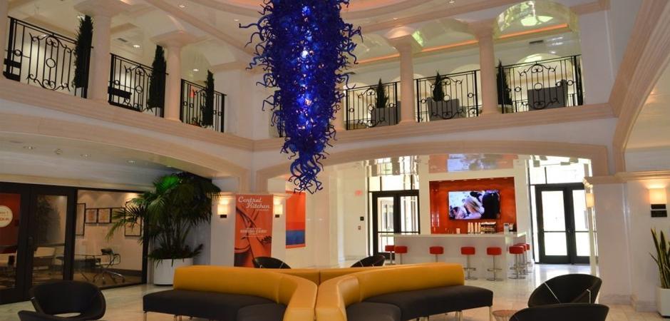 lobby03.jpg
