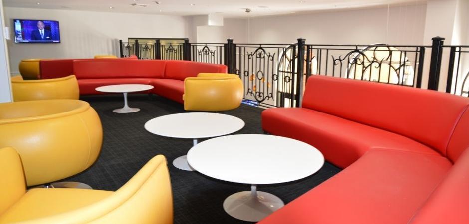 lounge03.jpg