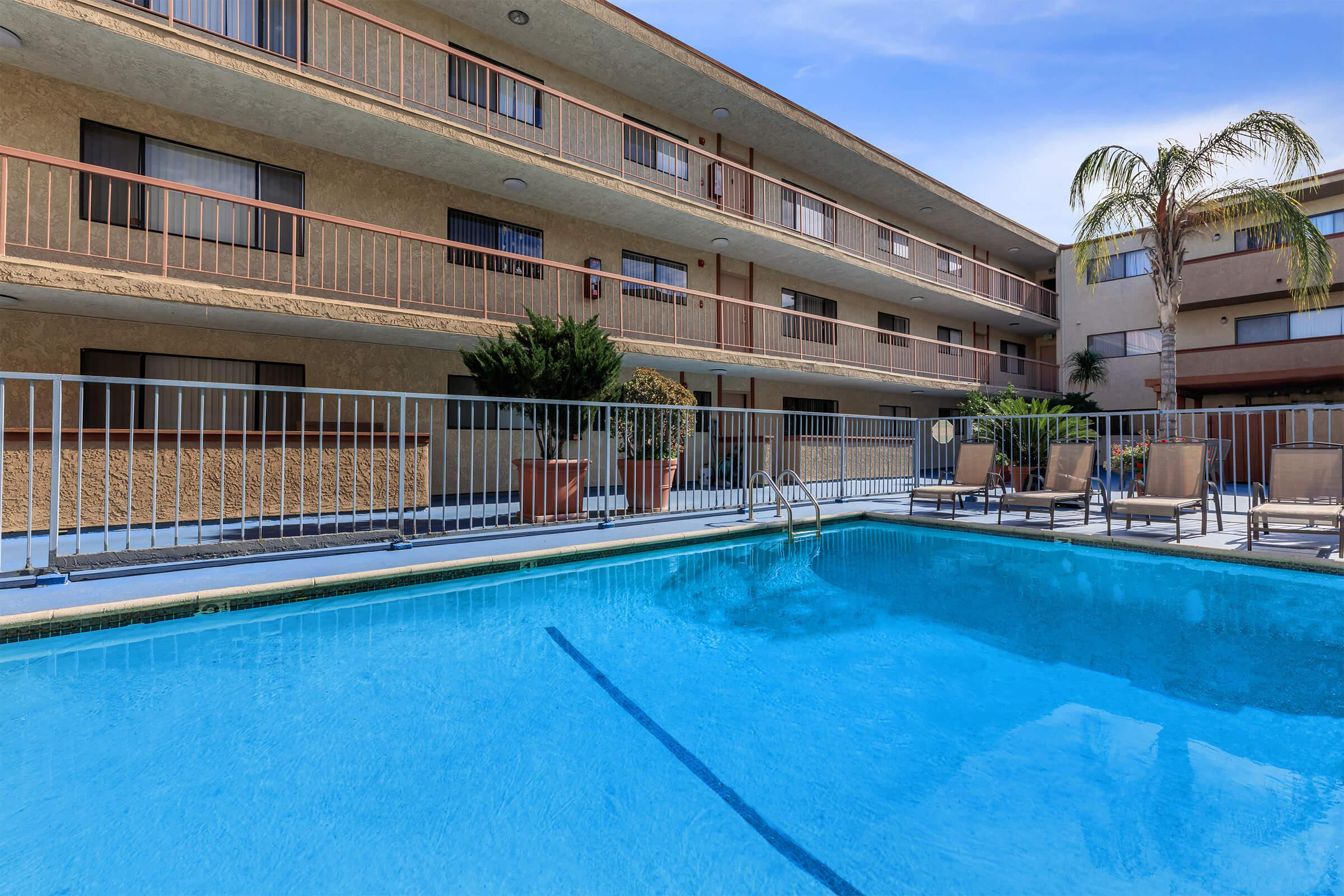 The swimming pool at Valleywood Apartments