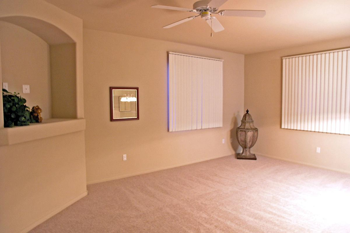 LIVING ROOM WITH CARPETED FLOORING