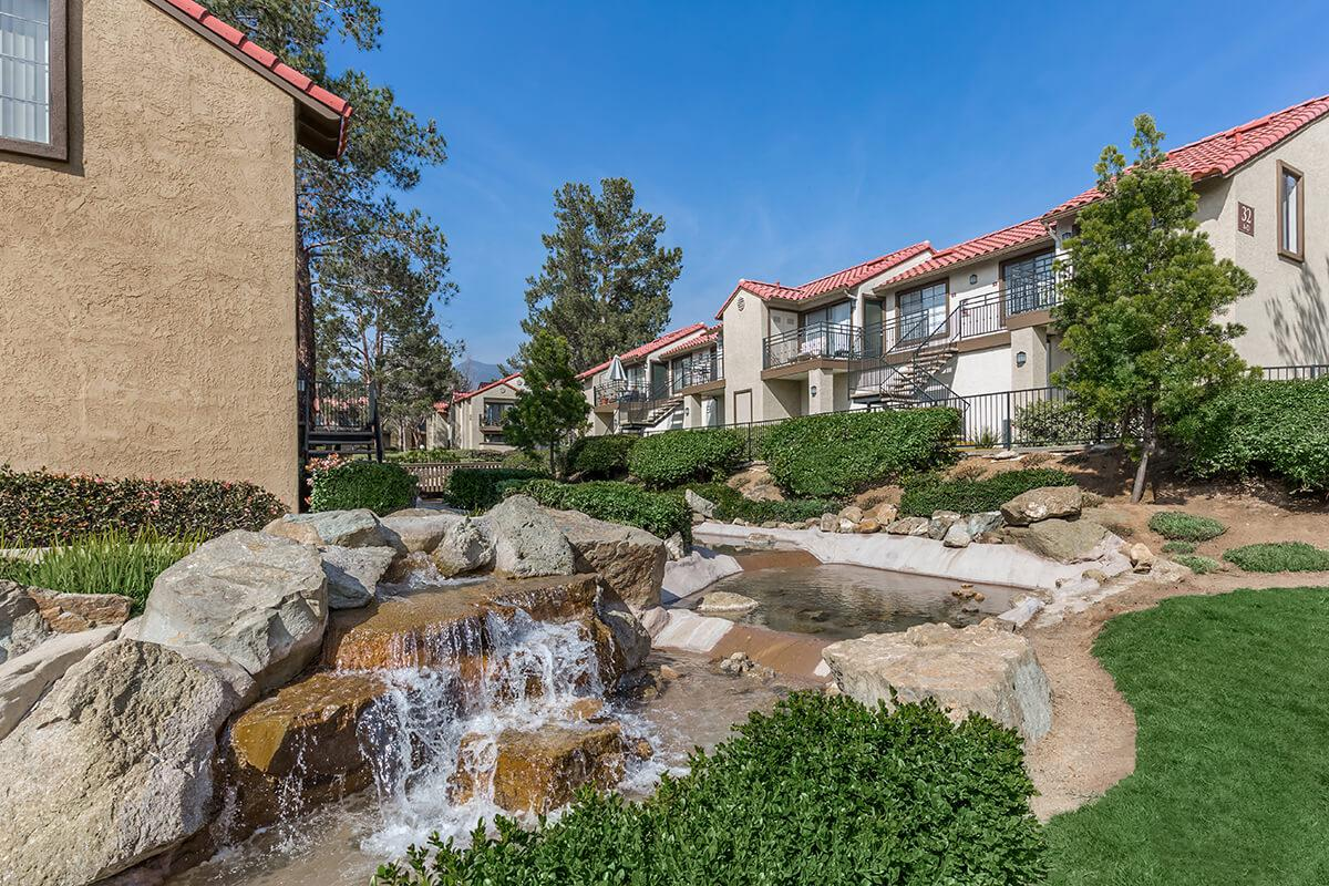 Villa La Paz Apartment Homes water feature
