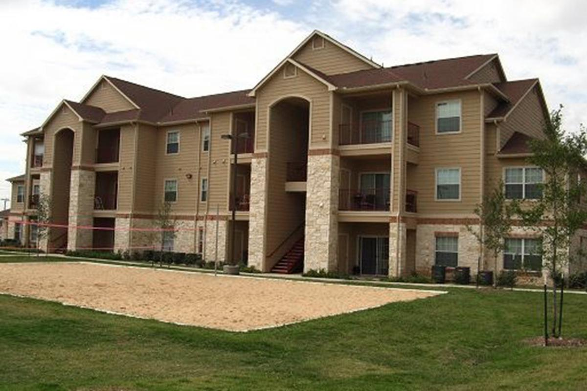 WELCOME HOME TO WILLOWBEND APARTMENTS IN SAN ANTONIO, TEXAS