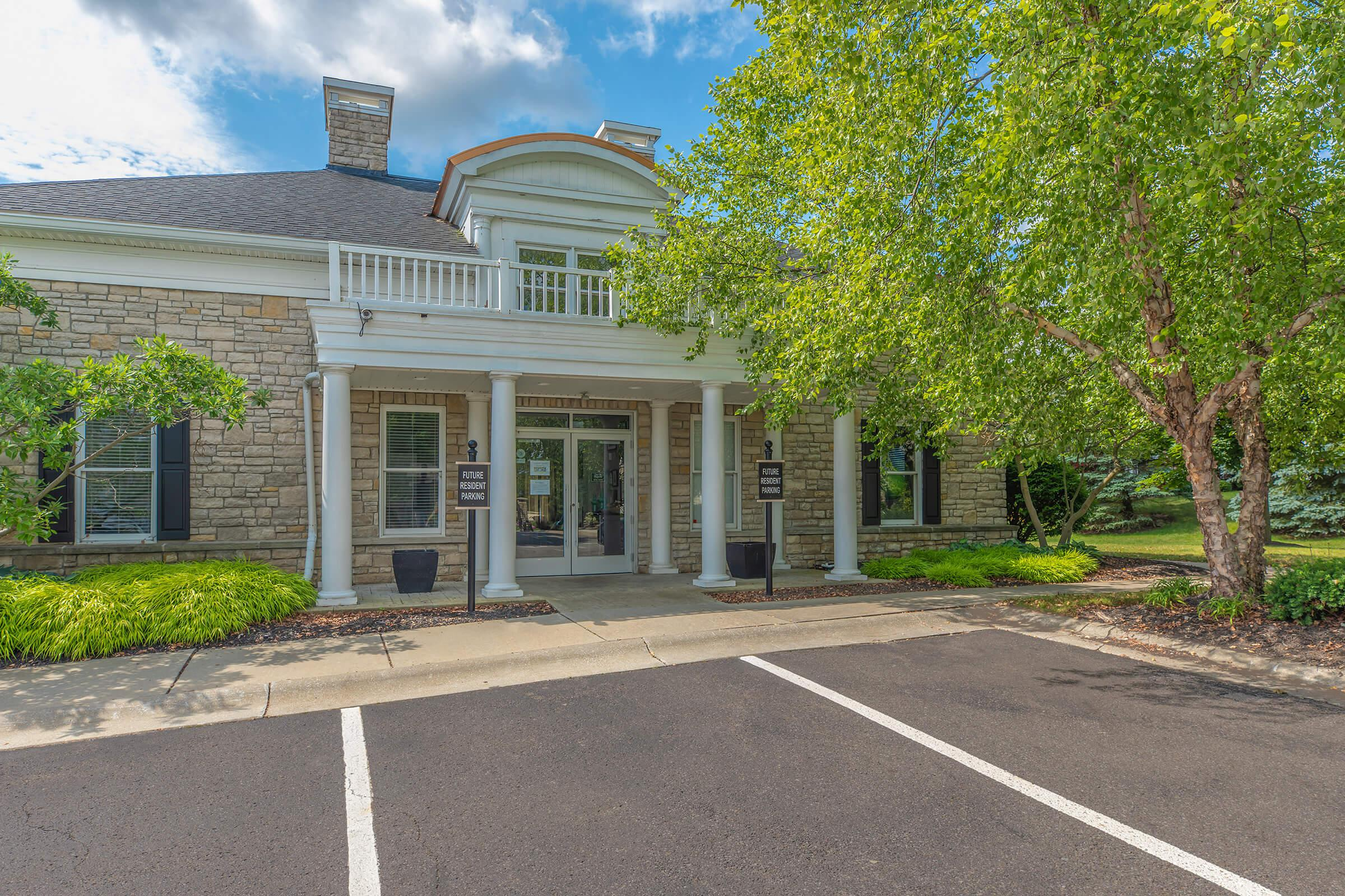 WELCOME HOME TO THE RESIDENCE AT BARRINGTON APARTMENTS