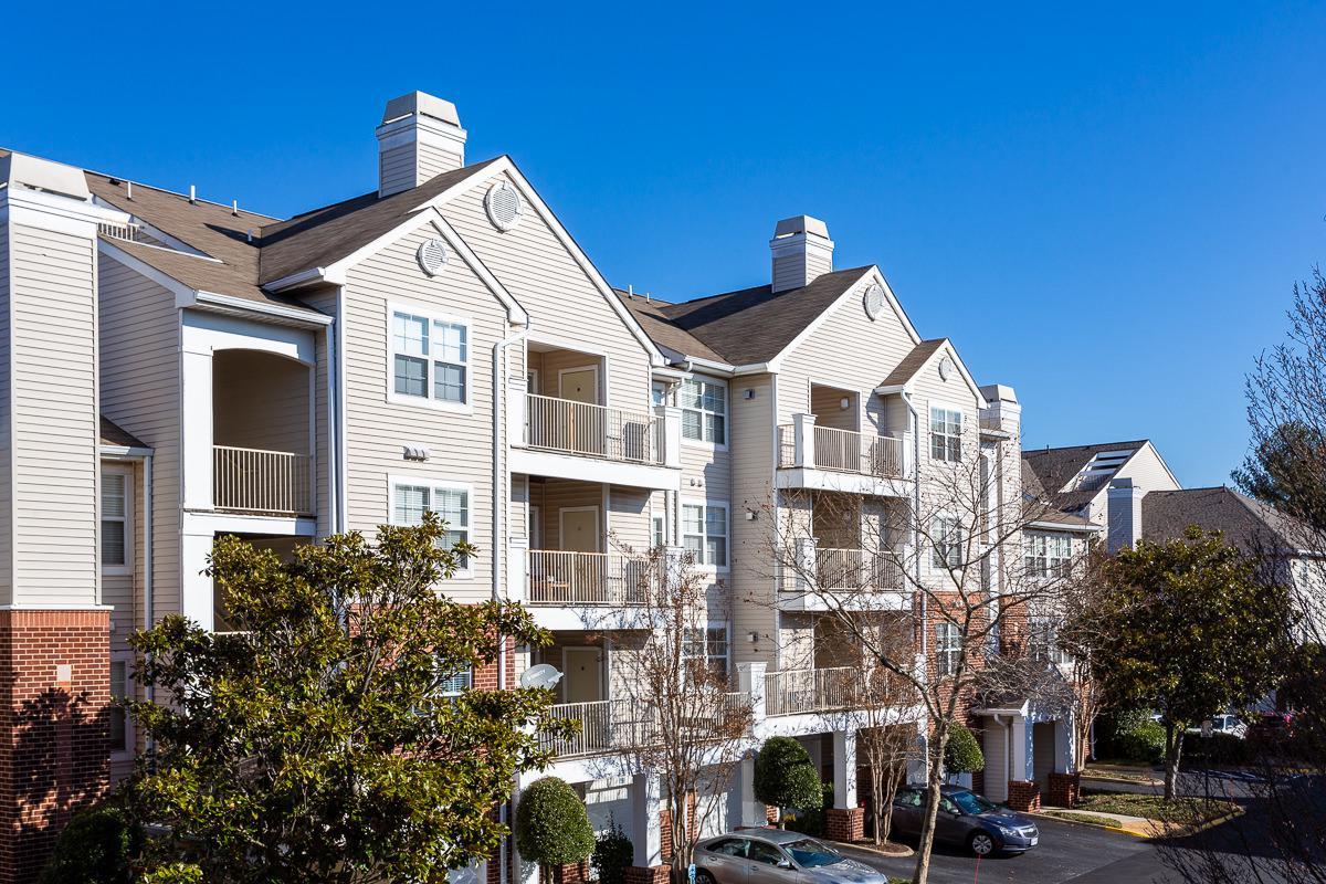 Balconies at The Jefferson at Fair Oaks Apartments in Fairfax VA