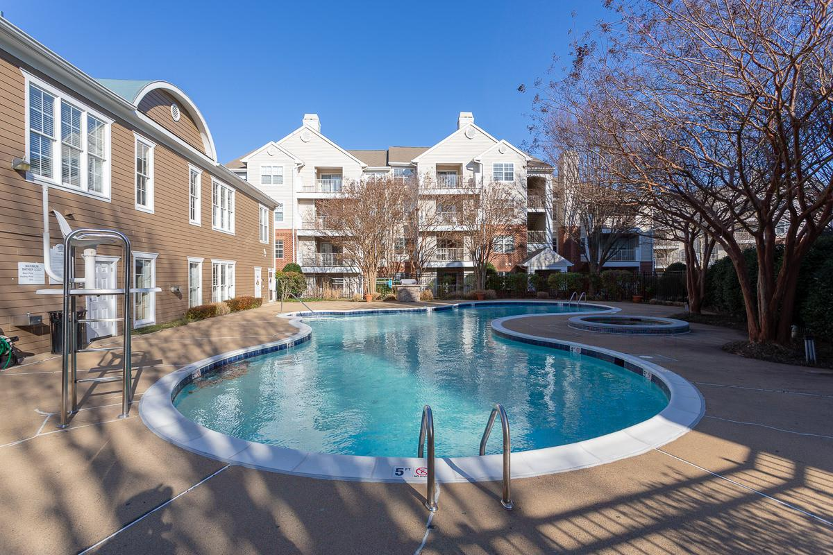 Sparkling Swimming Pool at The Jefferson at Fair Oaks Apartments in Fairfax VA