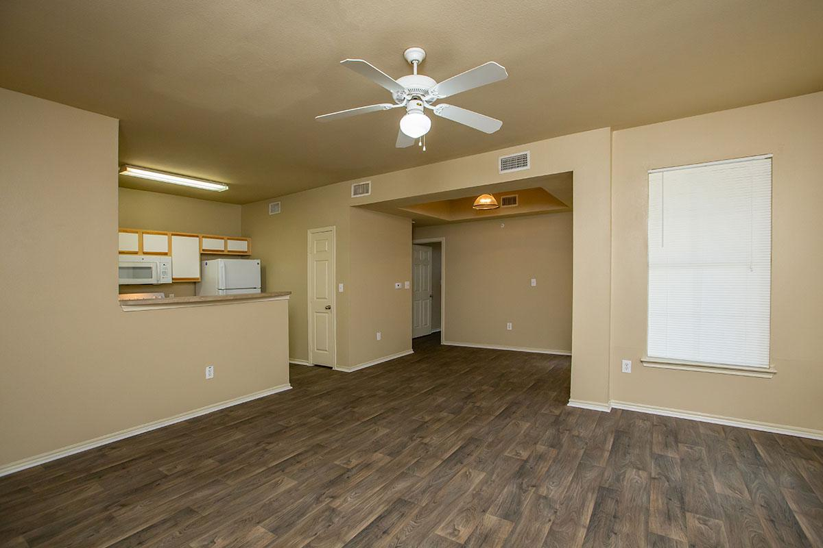 ONE BEDROOM APARTMENTS FOR RENT