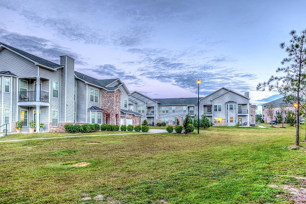 MAGNIFICENT APARTMENT HOMES IN  BILOXI, MS.!