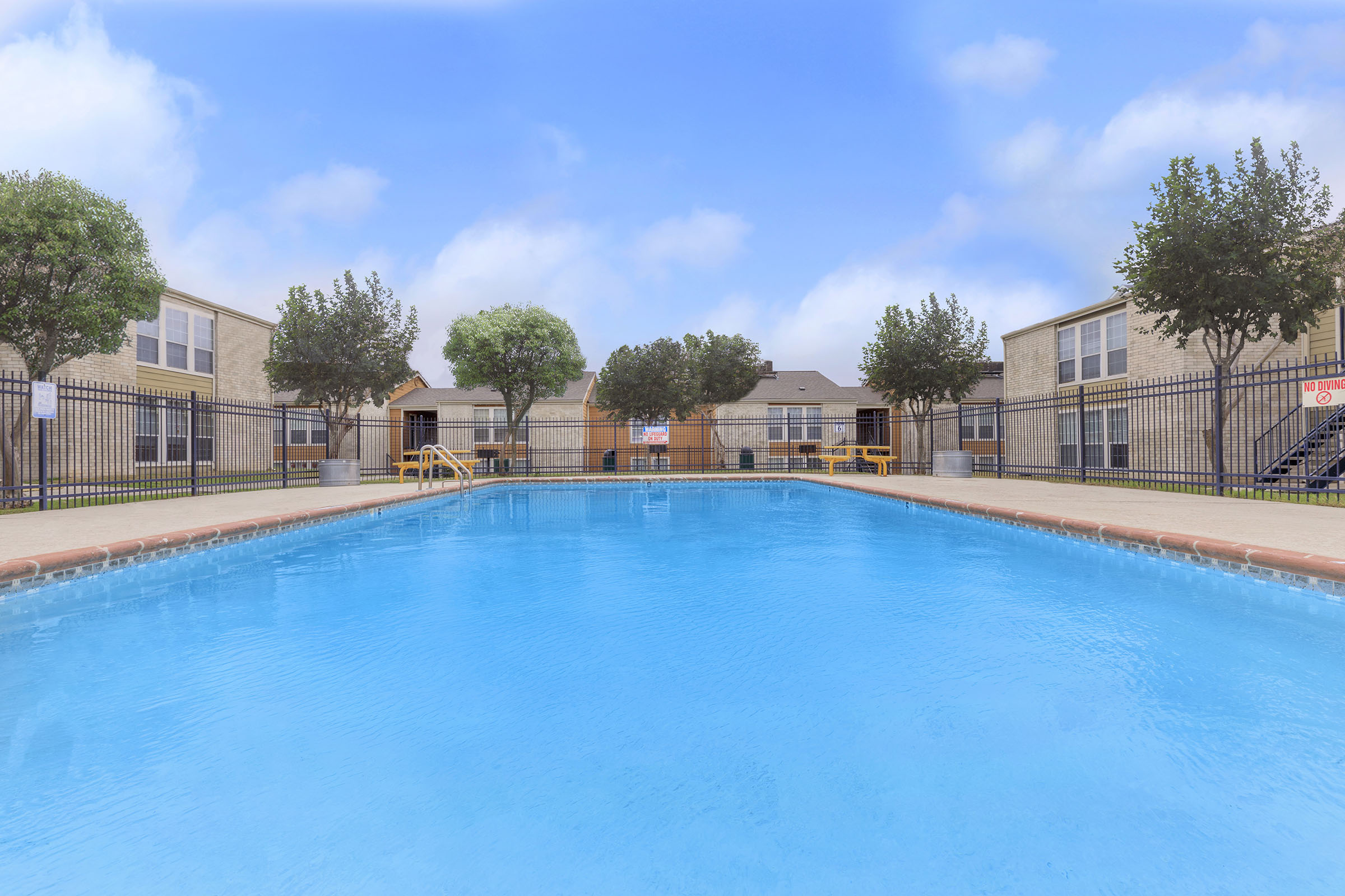 Picture of Hilltop Oaks Apartments