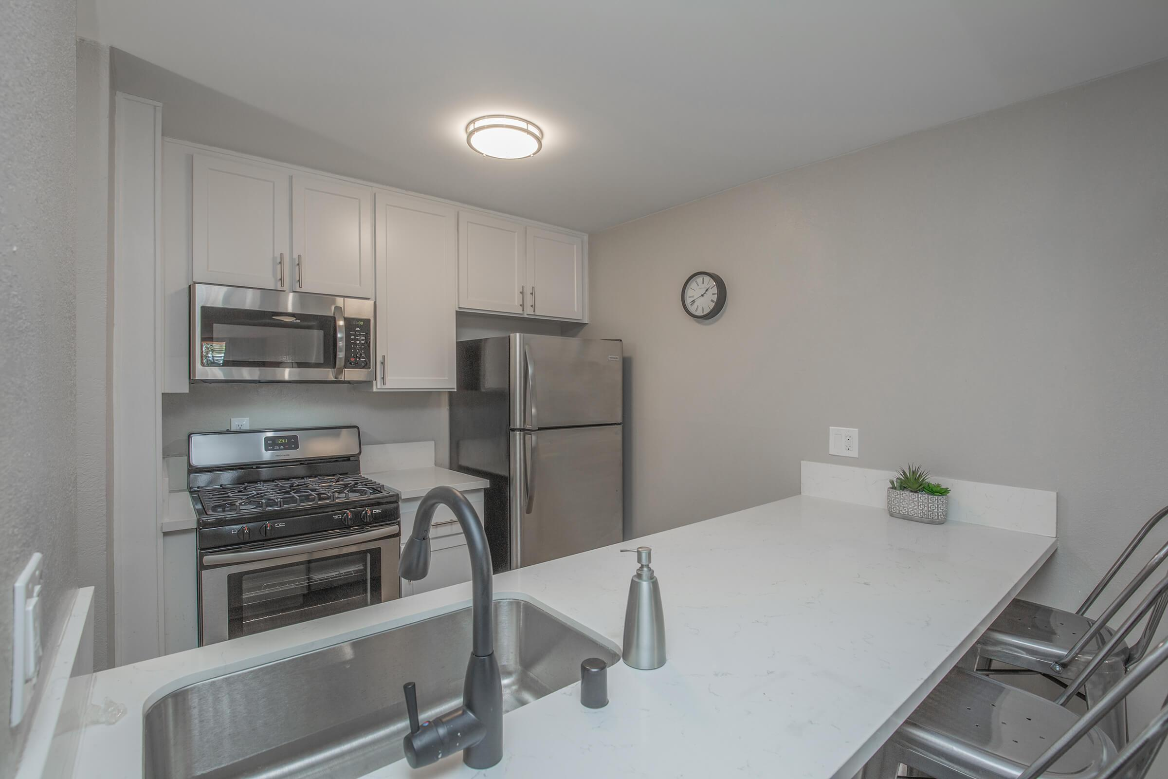 Glendale CA Apartments for Rent -Windsor Villas Apartments Kitchen