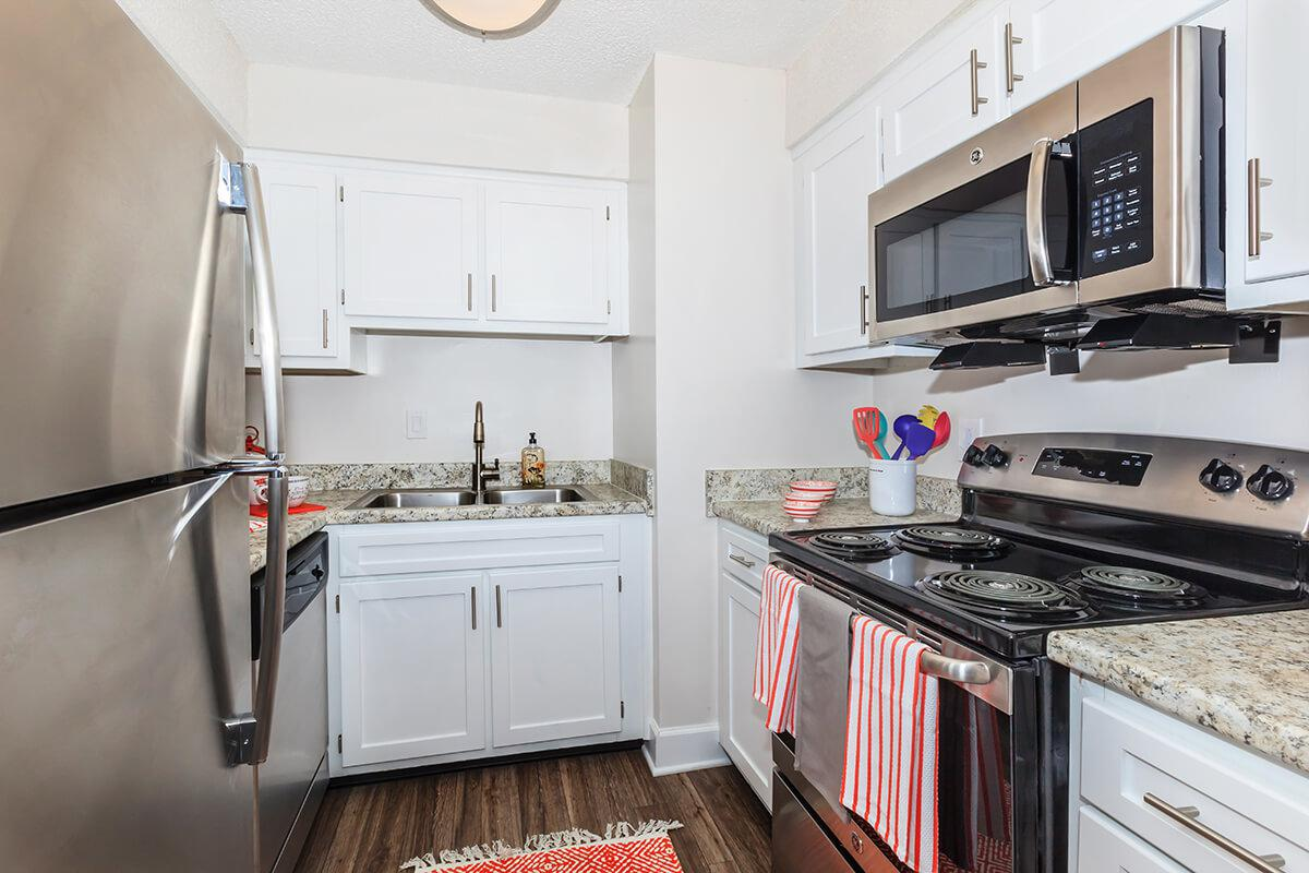 Longwood at Southern Hills features stainless steel appliances