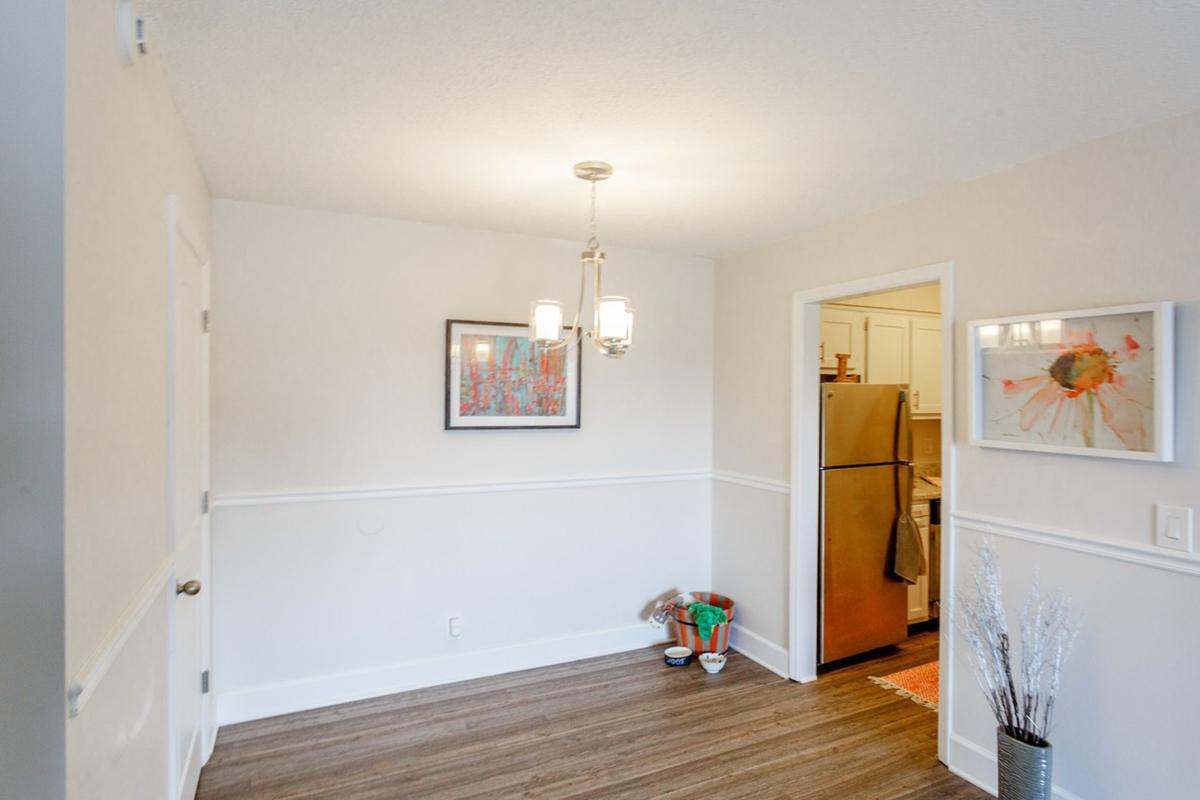 Cozy dining area in 2 bedroom apartment in Nashville, TN