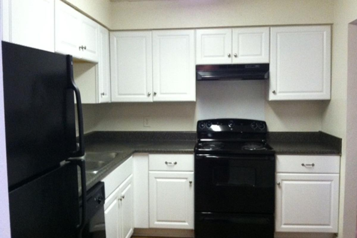 Black Appliance package At Longwood At Southern Hills