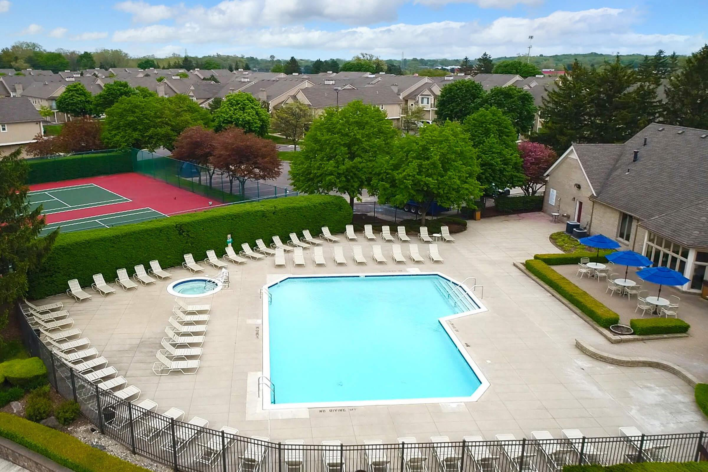 Manors at Knollwood Clubhouse Pool.jpg